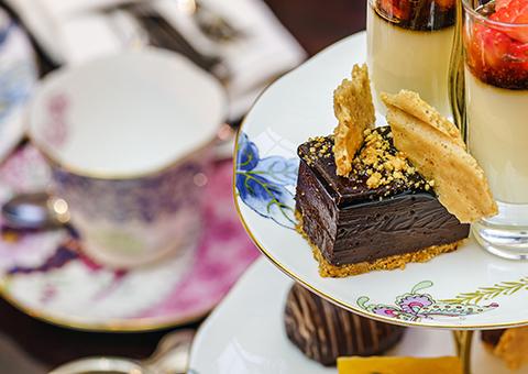 Estamos invitados a tomar el té